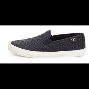 Tory Burch Jessie Quilted slip on sneaker sz.9